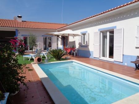 Image 3, 2 Bedroomed Villa : AV1579
