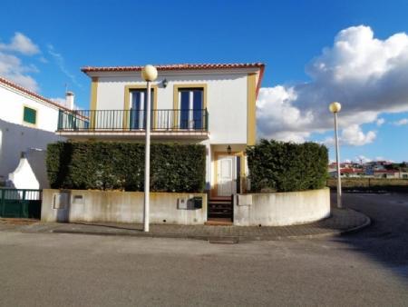 Image 1, 3 Bedroomed Villa : AV1582