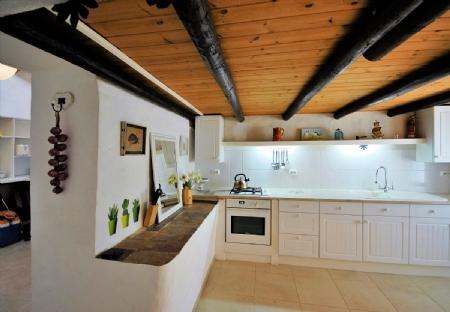Image 3, 6 Bedroomed House : BV2265