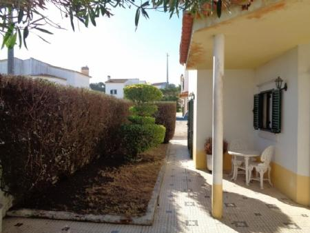 Image 16, 3 Bedroomed Villa : AV1586