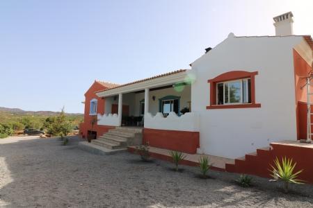 Image 1, 3 Bedroomed Villa : JV1738