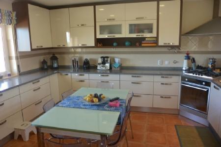 Image 6, 6 Bedroomed Villa : AV1591