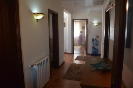 Image 11, 6 Bedroomed Villa : AV1591