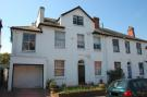 Flat in FLAT 4, 7 ASHBURTON ROAD...