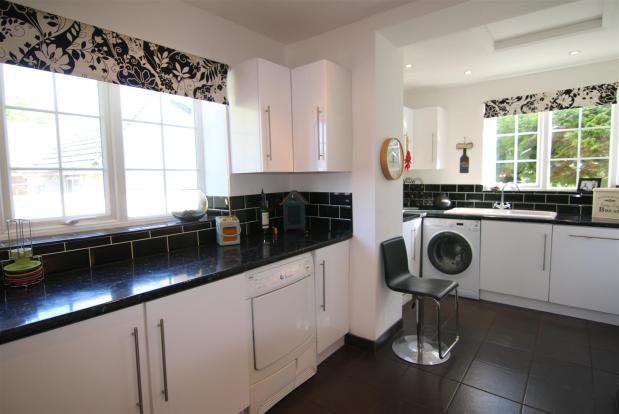 Kitchen 3 Edit.jpg