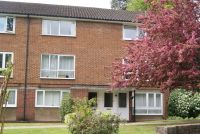 Flat to rent in Oak Hill Court, SW19