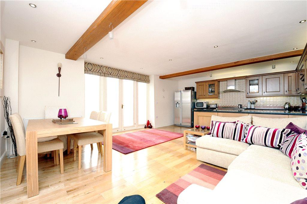 3 Bedroom Barn Conversion For Sale In Ivy Farm Sywell