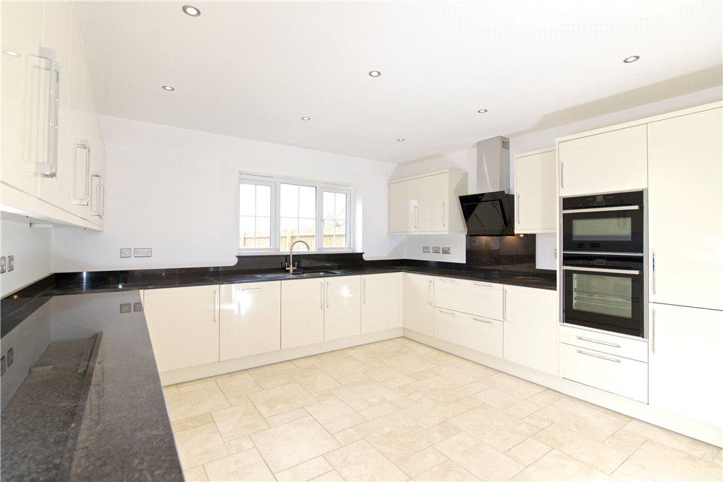 4 bedroom detached house for sale in thornby road naseby for Garage with accommodation