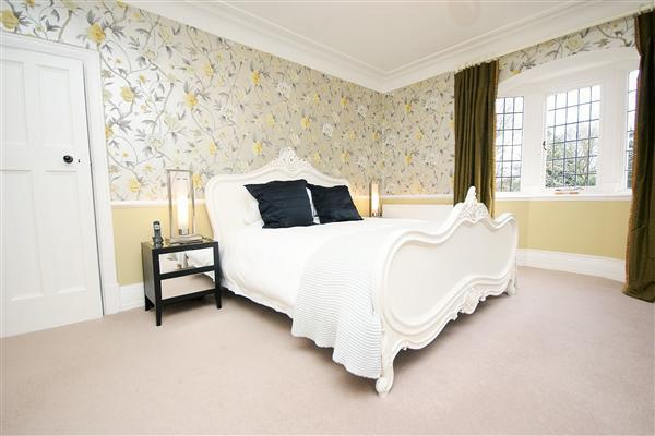 Master Bedroom with En Suite & Dressing Room
