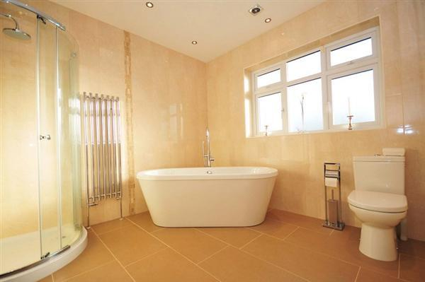Modern 4 Piece Bathroom Suite