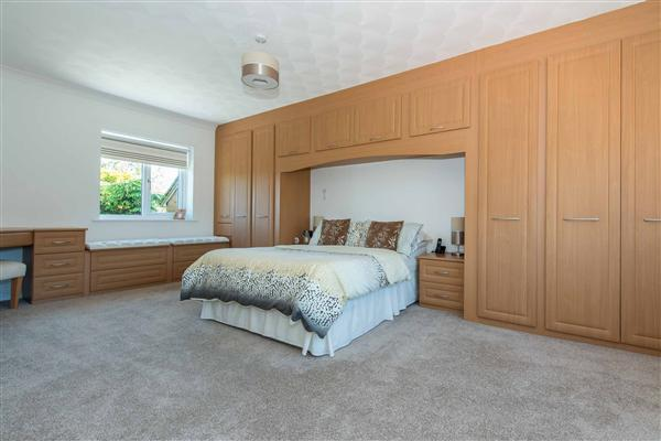 Master Bedroom Suite with En Suite Bathroom