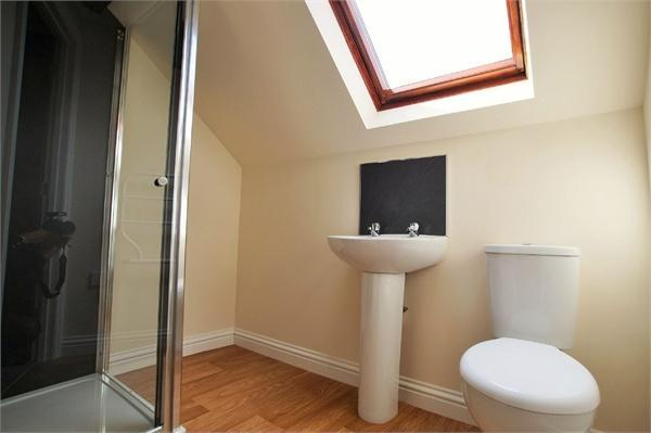 Flat 7, Shower Room