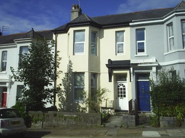 Terraced property to rent in Baring Street, Plymouth...