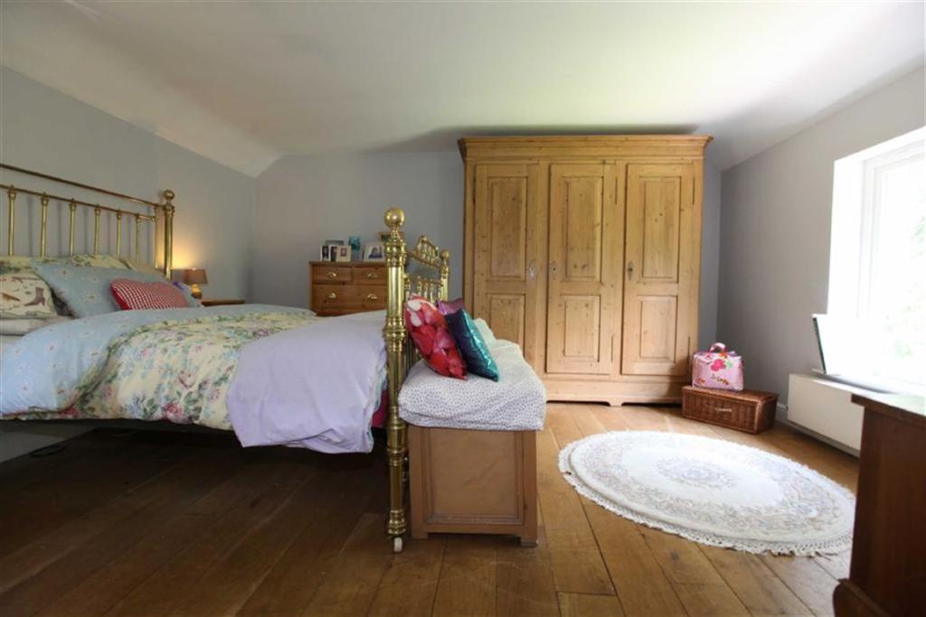 MASTER BEDROOM No. 1