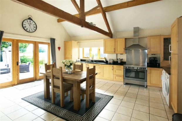 3 Bedroom Barn Conversion For Sale In Coole Lane Nantwich