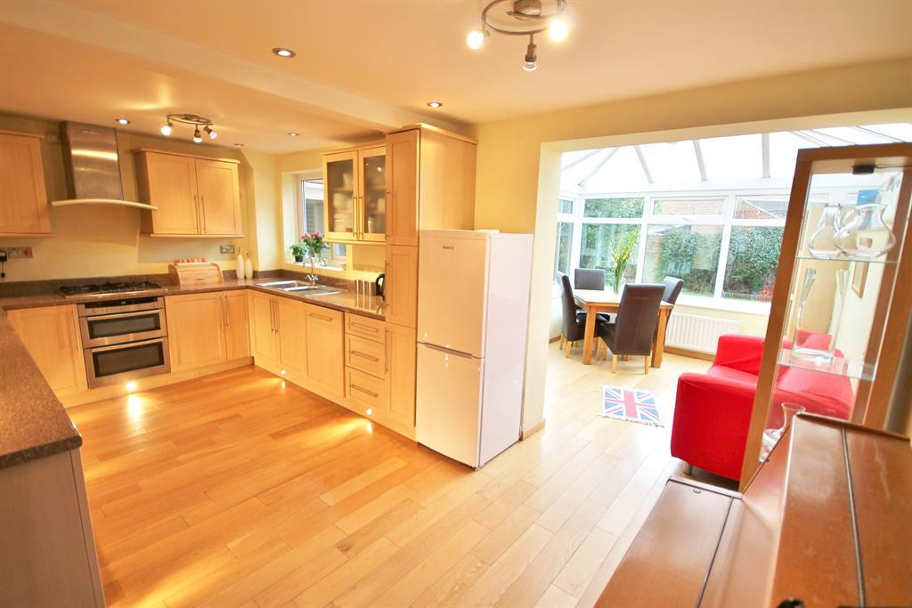 4 Bedroom Detached House For Sale In Kew Gardens Stockton