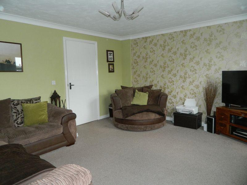Lounge Photo 1