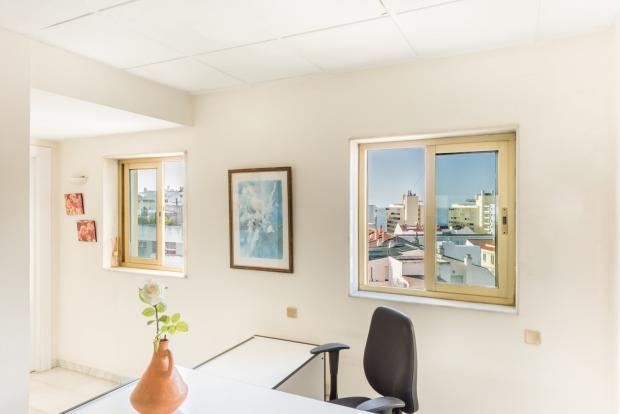 Office - MAR01-0329