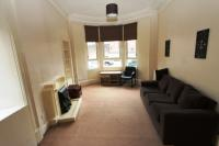 2 bed Ground Flat in Aitken Street, Glasgow...