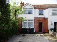 3 bedroom property to rent in Winifred Avenue...