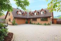 5 bed Detached house for sale in Potten End Hill...