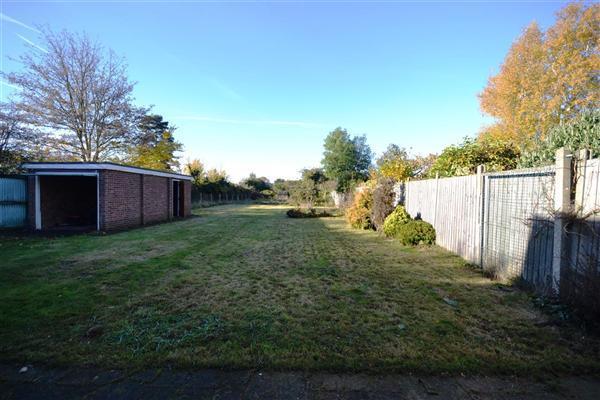 Rear Garden :