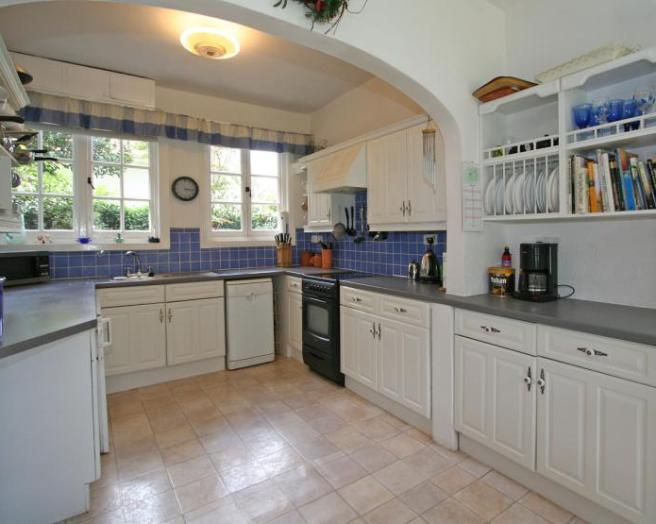 Blue tiles kitchen design ideas photos inspiration for Kitchen ideas rightmove