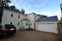 3 bed Detached home in River House...