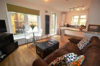 1 bed semi detached property in Gap Road, Wimbledon