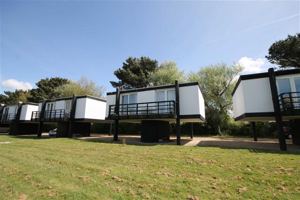 2 bedroom detached house for sale in emsworth po10