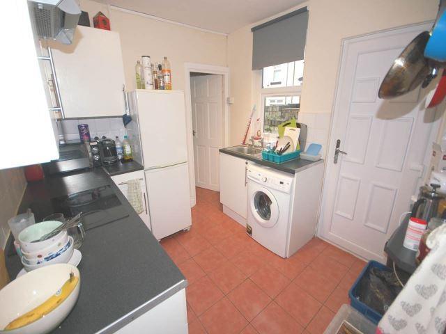 89 Edinburgh kitchen