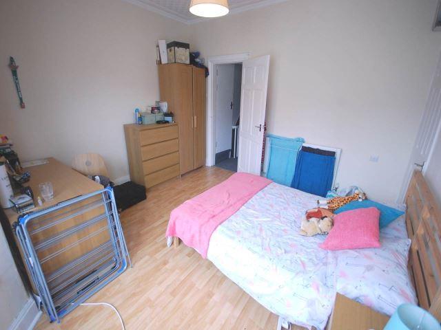 89 Edinburgh Bed 2