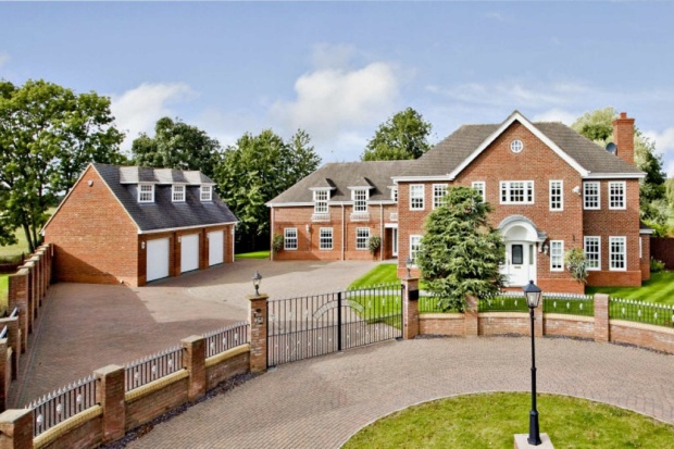 7 bedroom detached house for sale in belfry lane