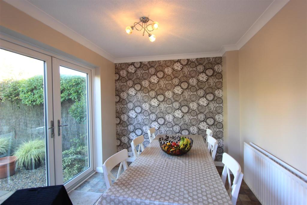 Family Room/Dining A