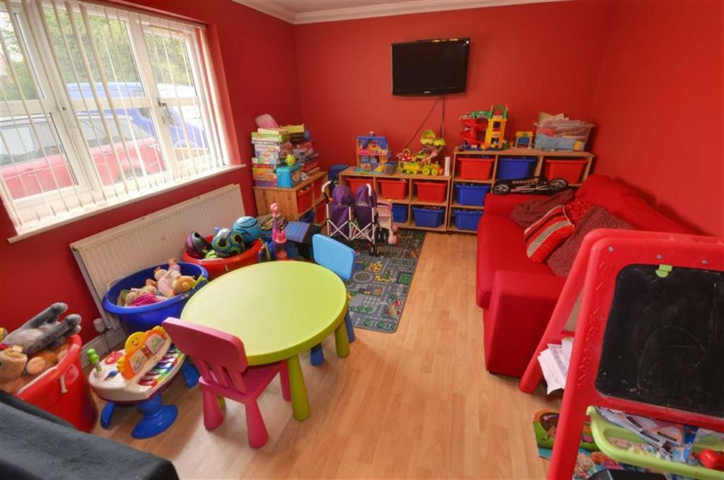 PLAY ROOM/BEDROOM FO