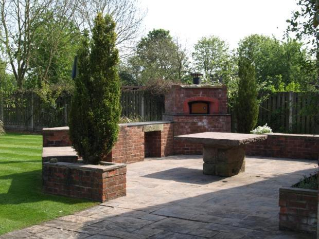 Pizza Oven & Patio