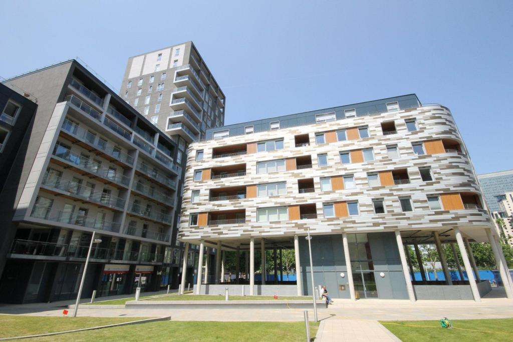 2 bedroom apartment to rent in indescon square canary 2 bedroom flat in canary wharf to buy