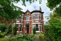 6 bedroom Detached property for sale in Crescent Road, Birkdale...