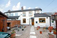 2 bed semi detached house in Meadow End, Gotham...