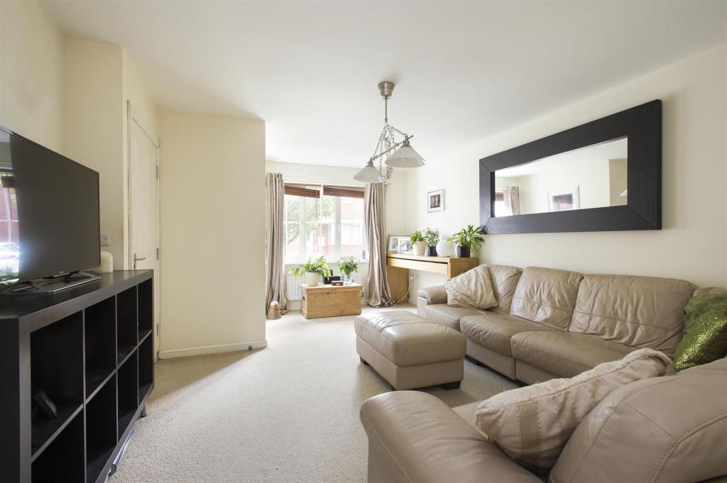 4 bedroom semi detached house for sale in old station for Living room nottingham