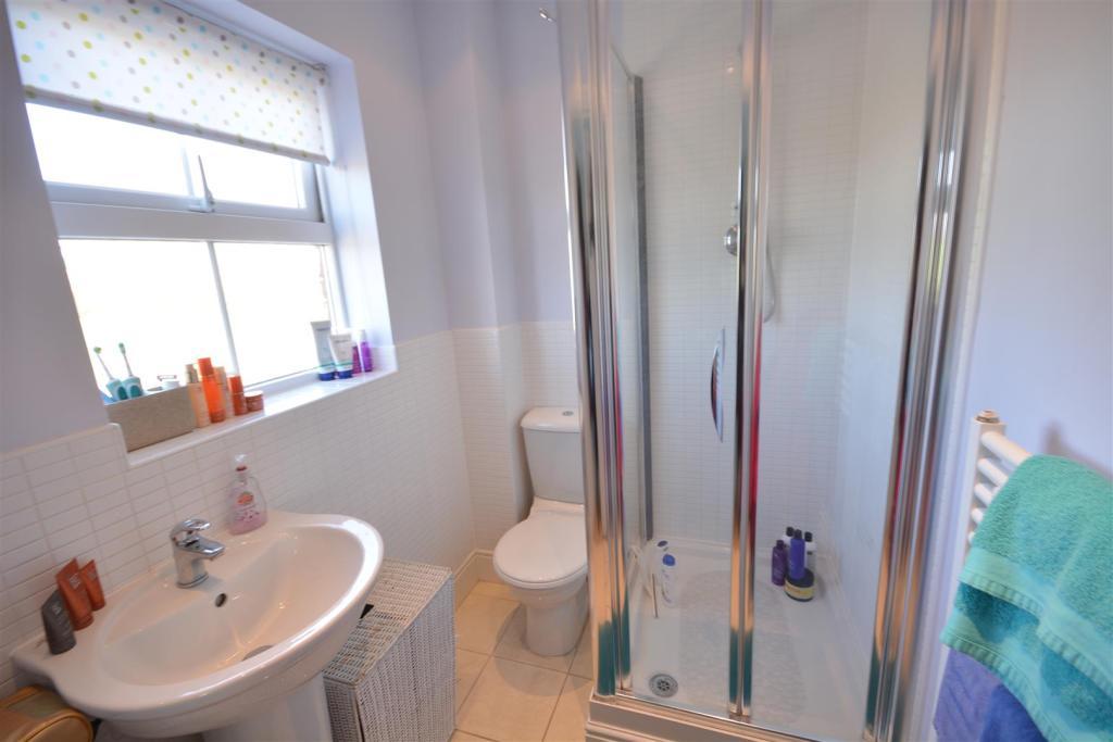 En - Suite Shower Ro