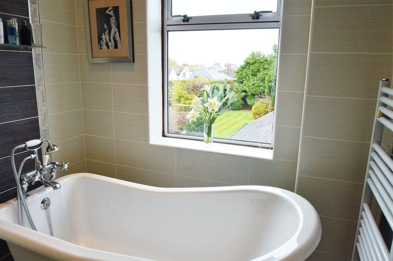 bath and view