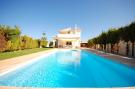 Villa for sale in Algoz