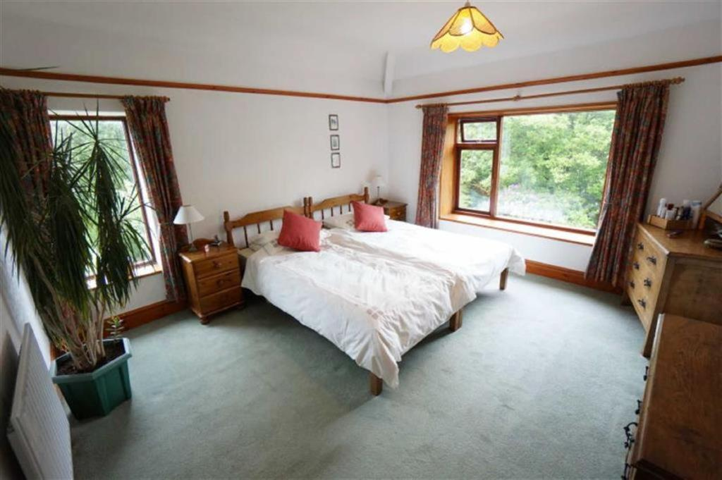 Bedroom No 1: