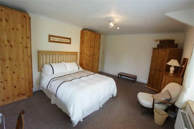 Bedroom No 2 / Ystaf