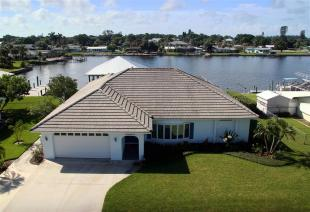 3 bedroom home for sale in Florida...
