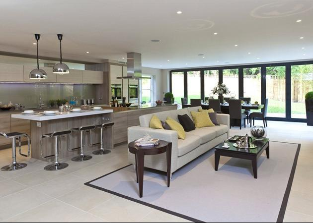 5 bedroom house for sale in heath ridge green cobham for Show house for sale