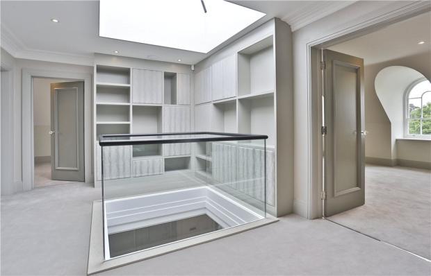 Interior Cobham