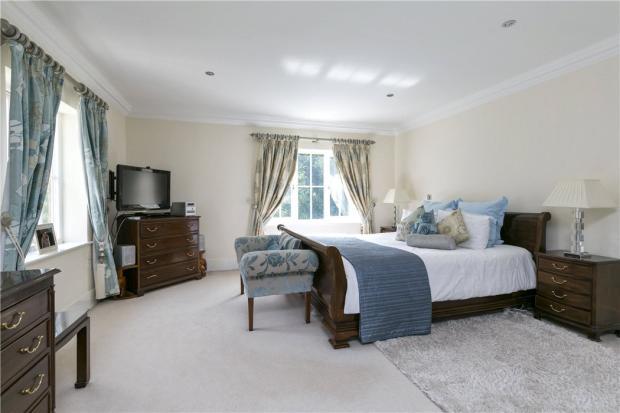 Oxshott: Bedroom