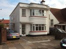 £1,050 pcm : 3 bedroom ground floor flat to rent : Station Road,Leigh-On-Sea,SS9